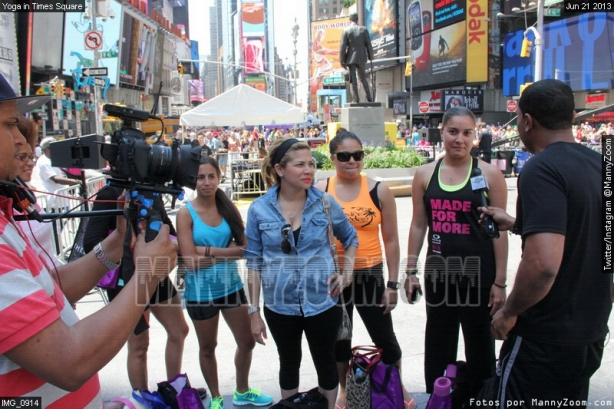 yoga-in-times-square-042