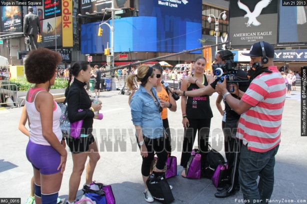 yoga-in-times-square-043
