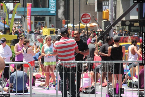 yoga-in-times-square-044